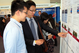 Job-Aushang auf der Jobmesse CHINESE TALENT DAYS
